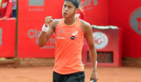 Teliana vence, entra na chave principal de Roland Garros e enfrenta francesa na estreia, no domingo
